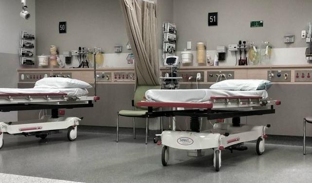 Barn dog efter platsbrist pa sjukhus